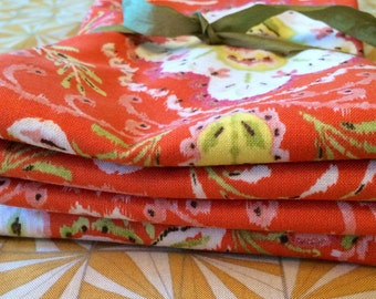 Set of 4 reversible 17 inch napkins in your choice of fabrics.