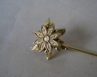Flower Star Gold Stick Pin Vintage Lapel