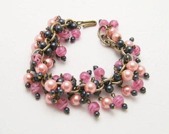Vintage Cha Cha Bracelet Gray Pink Bead Jewelry B6585
