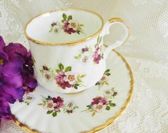 Vintage Teacup,  Elizabethan Tea Cup, Purple Rose Tea Cup, Purple Teacup, Elizabethan Teacup,   no15