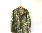 20% OFF SALE Vintage camoflage Camo Jumpsuit car Mechanic Pants rugged hunting army Jumper / Romper / Coveralls Jumpsuit Size Large