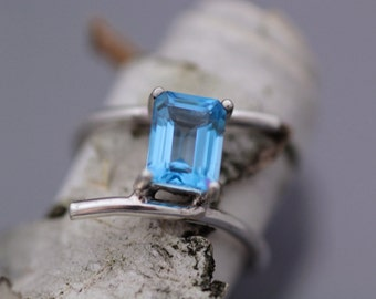 Swiss Blue Topaz Rectangle and Sterling Silver Ring