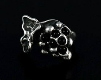 Size 8.5 Vintage Art Deco Sculpture Black Grape Sterling Silver Ring