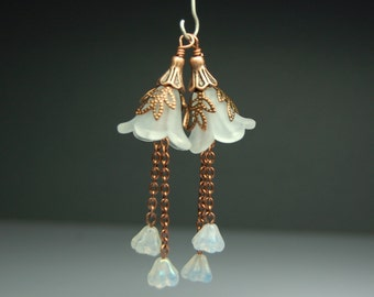 Vintage Style Bead Dangles Drops Charms White Lucite Flower Pair C918