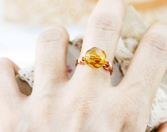 Honey glow wired ring - US size 7 - glass bead