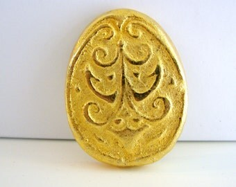 Vintage gold egg brooch (H6)