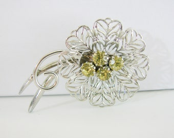 Vintage silver flower brooch with green rhinestones (I3)
