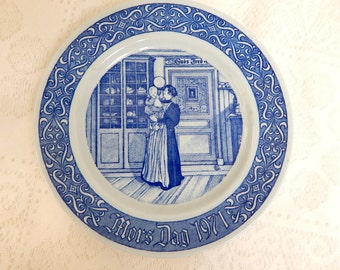 Rostrand Sweden 1971 Mother's Day Plate  Blue and White 1st limited edition