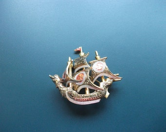 Vintage Spain Damascene Dimensional Clipper Ship Brooch Pin With Serpent