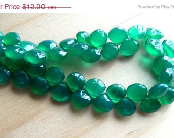 35% OFF Green onyx faceted heart briolette