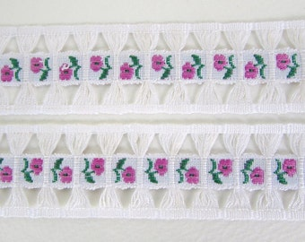 Vintage Trim Woven Jacquard Ribbon Rose Pink Flowers Green Leaves White Fringe West Germany rib0151 (1 yard)