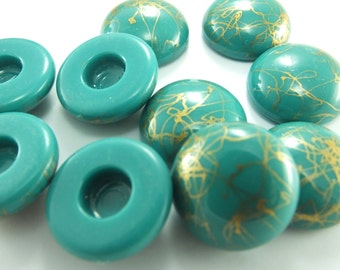 10 psc Ornamented Vintage Plastic Lucite Round Flat Back Buttons/Cabs , Cabochons 19mm , Height 6mm...Grassgreen