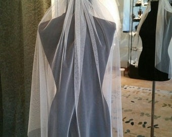 Soft Spanish Net Simple Wedding Veil in Ivory