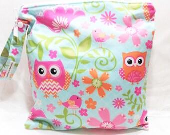Owl Wet Bag, waterproof bag, You pick strap style, hanging wet bag, cloth diaper bag, swimsuit bag, bags, reusable bag