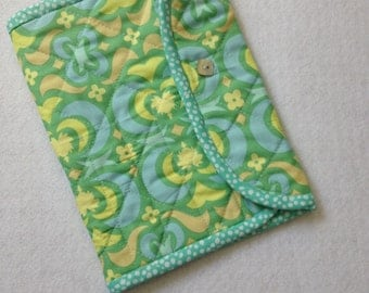 Crochet Hook Case - aqua blue and green quilted cotton carrying case, Clover large hooks, tri fold hook storage wallet, Amy Butler Midwest
