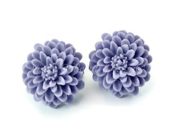 Pale Lavender Purple Chrysanthemum Flower Clip On Earrings Vintage Style