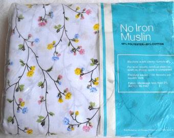 Vintage Bed Sheet - Pastel Vine Flowers - Full Flat NOS