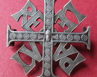 Jesus Cross Pin French Silver Vintage Religious Brooch Jewelry   SS402