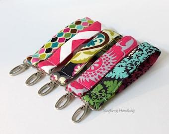 Key Chain / Key Fob - Swivel Clasp Key Wristlet - Choose Your Fabric - Chevron Paisley Medallion - Sale