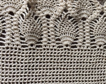 "Vintage Hand Crocheted Dresser Scarf Table Runner Pineapple Stitch  30"" X 16"""