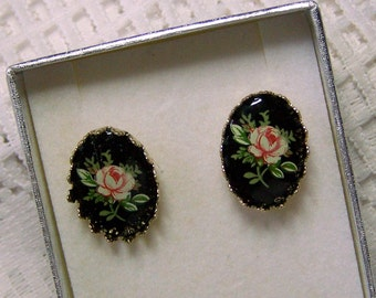 Pink Rose Cameo Earrings, Pink Rose Post Earrings, 18kt Gold plated, Flowers, Flower Garden, Rose Jewelry, Pink & Black Vintage Limoge Cameo