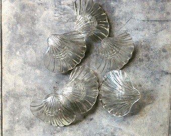 Vintage Shell Napkin Rings | Bakelite Era Plastic | Clam Shells | Seashell Decor | Beach Cottage | Plastic Sea Shells | Set of 6
