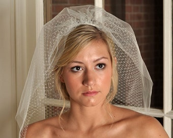 Wedding Veil - Short Veil, Tulle and Russian Net Shoulder Veil - Ivory or White