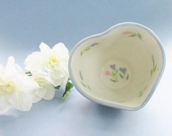 Ceramic Heart Bowl, Pottery Heart Dish, Flower Heart Dish, Heart Candy Dish, Heart Jewelry Dish, Valentine dish, Heart Condiment Dish