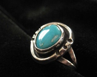 Sterling Silver Turquoise Native American Ring, Size 5.5
