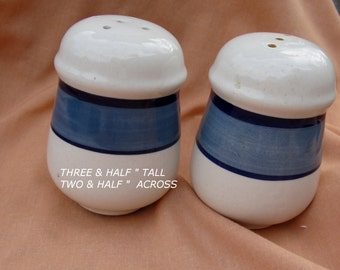 Vintage CERAMIC Pottery Salt Pepper Shakers Large/Blue and White Salt and Pepper Shakers