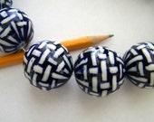 Porcelain Bead - basketweave - 30 mm