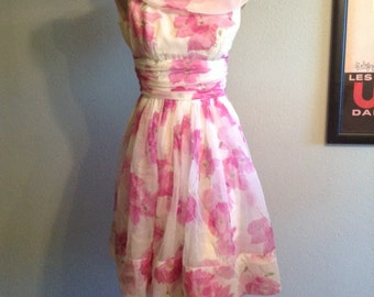 Vintage 1950s 50s fuchsia/pink floral party dress tea dress spring dress