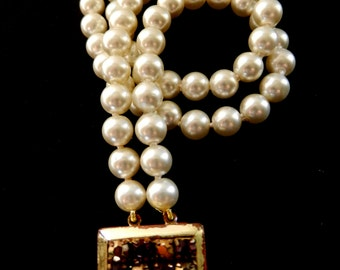 1940s De Luxe signed 2 strands of lovely pearls bracelet, dazzling old crystals clasp-vtg excellent quality-Art.885/3-