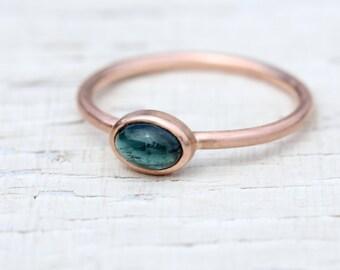 Indicolite Tourmaline Rose Gold Ring Stackable Modern Delicate Blue Green Rose Color Brazilian Gemstone Cabochon - Rosenblau