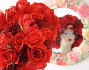 "Shower Cap Women's Waterproof Washable ""Boquet Beauty"" Red"