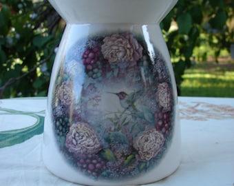 Hummingbird in a Fruit & Floral Fantasy Ceramic Tea Light Tart Burner