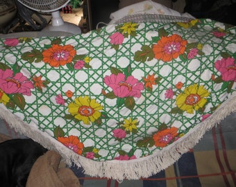 VINTAGE 60S retro  mod  flowers   round fringe  tablecloth 64 in