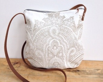 Simple linen pouch Day Bag messenger bag with leather handles in Baron hand printed by Papa Totoro