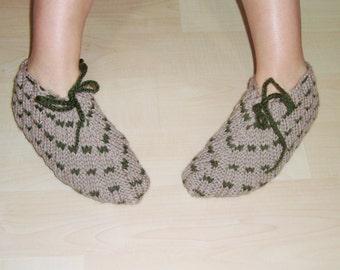 Knitted Mens  SLIPPER Socks in beige and green wool yarn mens slipper.