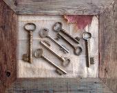 large old keys - genuine vintage keys - 7 vintage skeleton keys (P-29b).