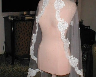 Vintage waltz-length Lace Mantilla Bridal Veil by Pricilla of Boston
