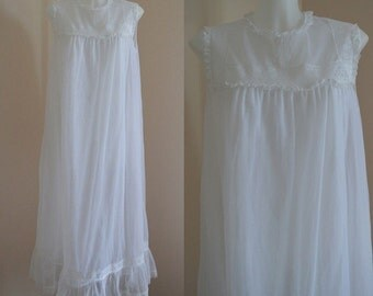 Vintage Nightgown, Vintage White Nightgown, Vintage White Chiffon Nightgown, Wedding, Chiffon Nightgown, 1960s Nightgown