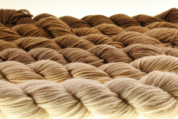 mini skein ombre gradient dyed dk or fingering a latte to espresso 600 yards from. Black Bedroom Furniture Sets. Home Design Ideas