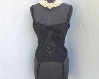 Vintage FREDERICKS Black Lace Corset /  Fredericks of Hollywood Corset 34C