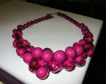 Vintage Gob Stopper Fuchsia Bead Necklace