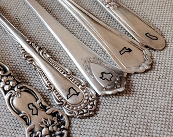 New Item Vintage Silverware Mr. & Mrs. STATE IT Sweetheart Cake Wedding Forks Wedding Silverware Reception Table Setting