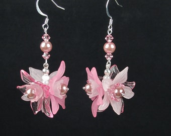 Pink Acrylic Flower Earrings Daffodils Pearls Crystals Swinging Dangle Chandeliers