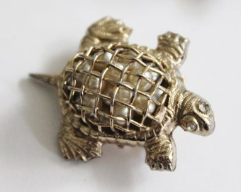Vintage 40s Coro Gold Tone Turtle Pin Brooch - Caged Faux Pearls, Small