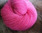 Fuchsia - woodland wool - single thread handspun shawl yarn 100gr 426m