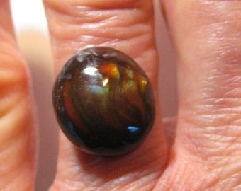 Mexican Fire Agate cab ....   14 x 13 x 5.5 mm ...    B1697